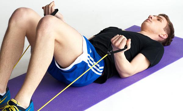 Упражнение на бицепс эспандером