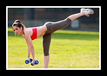 Тренировка для ног для девушек в домашних условиях