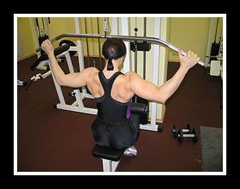 Тренировка спины в тренажерном зале