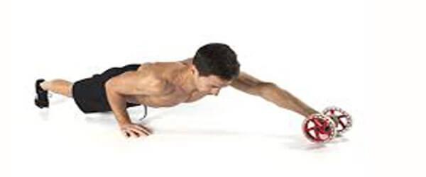 упражнение с роликом с одной рукой