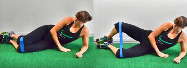 Подъем ноги лежа на боку с резинкой