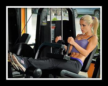Упражнения для ног и бедер в тренажерном зале