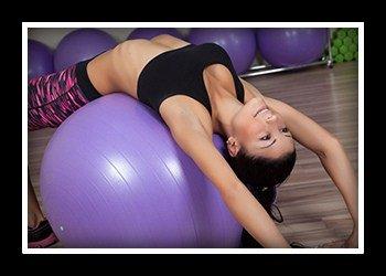 Упражнения с фитболом для мышц спины