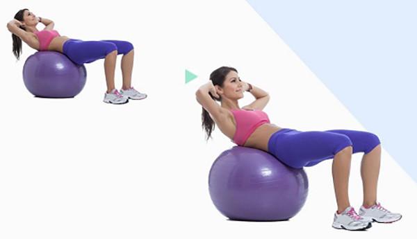 Скручивания на фитнес мяче