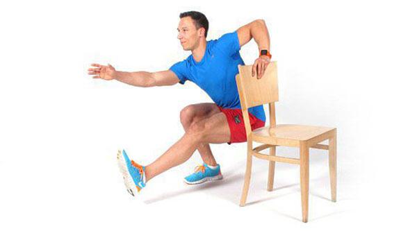 Приседания на одной ноге у опоры.