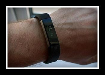 Топ 10 стильных и практичных браслетов-шагомеров для активной жизни