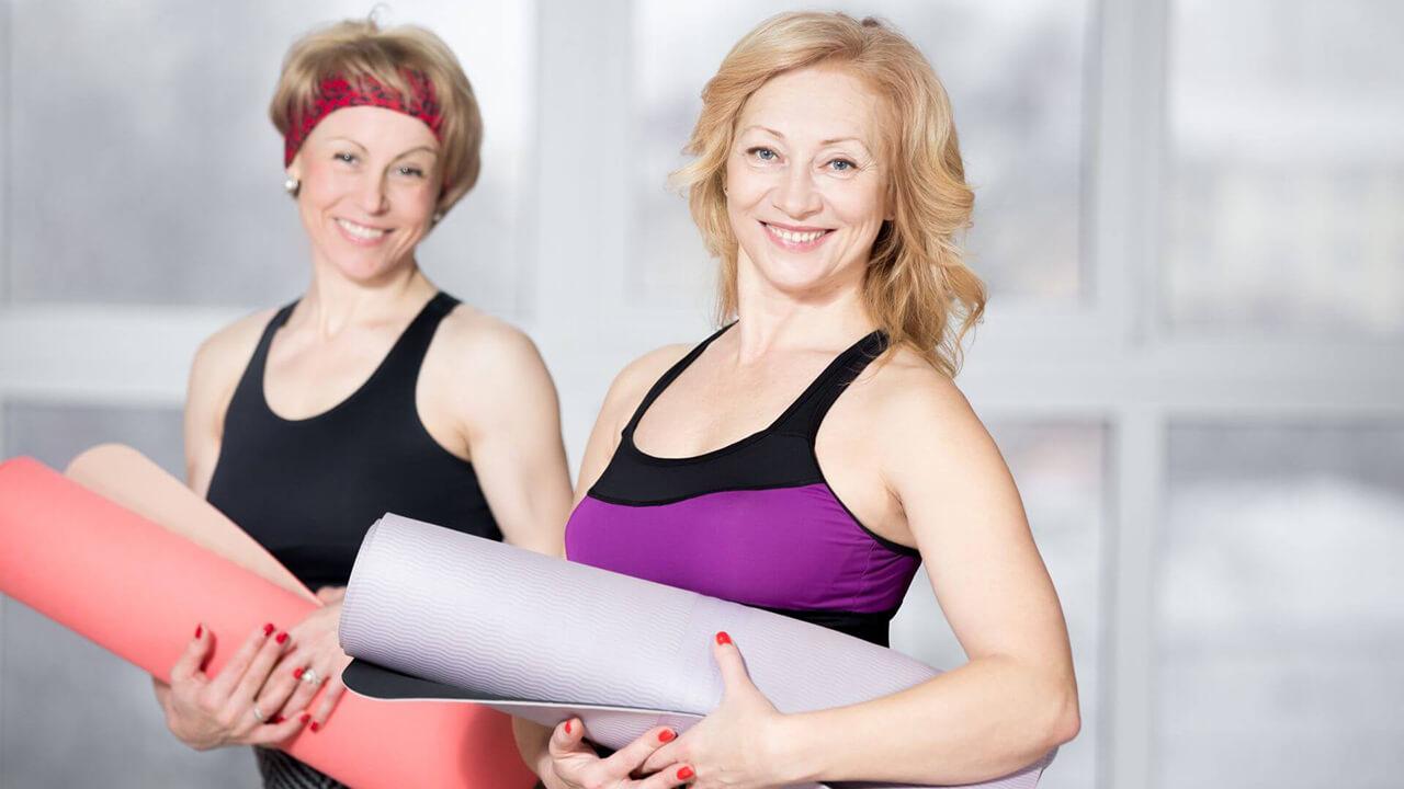 Упражнения для женщин в зале за 50 фото