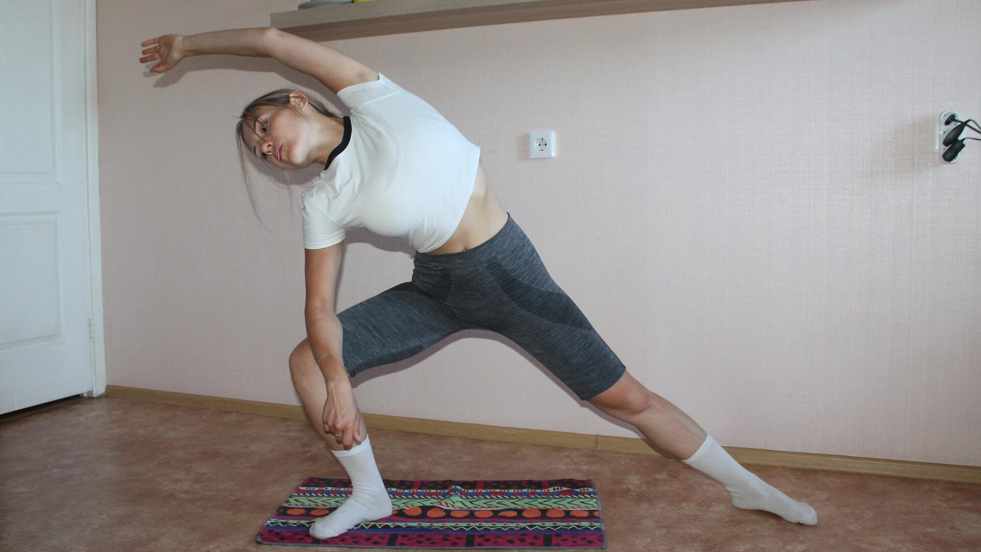 Боковое вытяжение пресса в выпаде: фото упражнения.