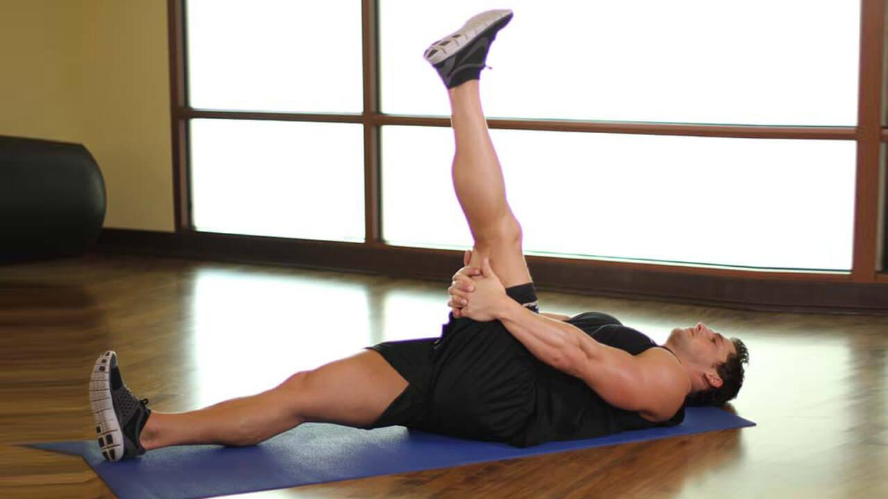 Вытяжение по одной ноге лежа: фото.