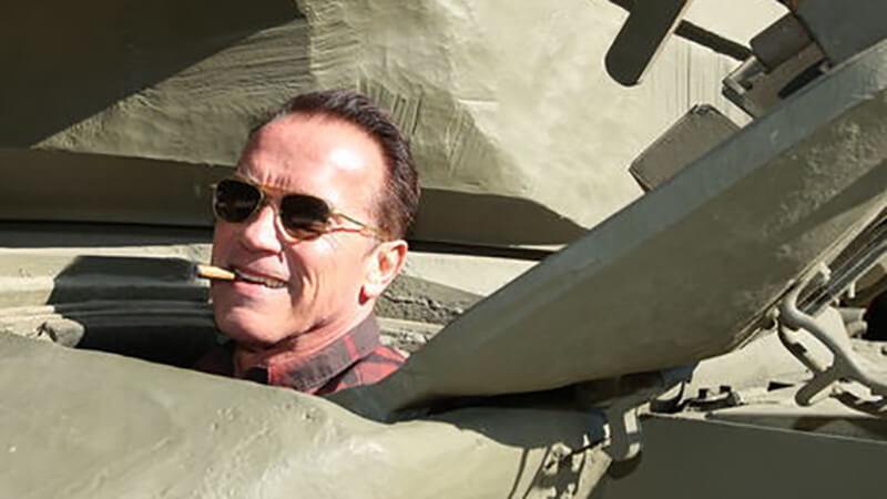 Арнольд на танке.