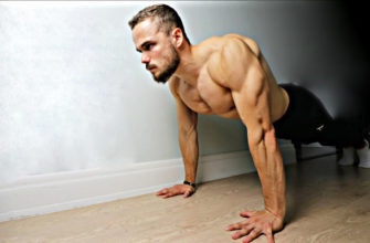 Тренировка мышц груди дома: фото.