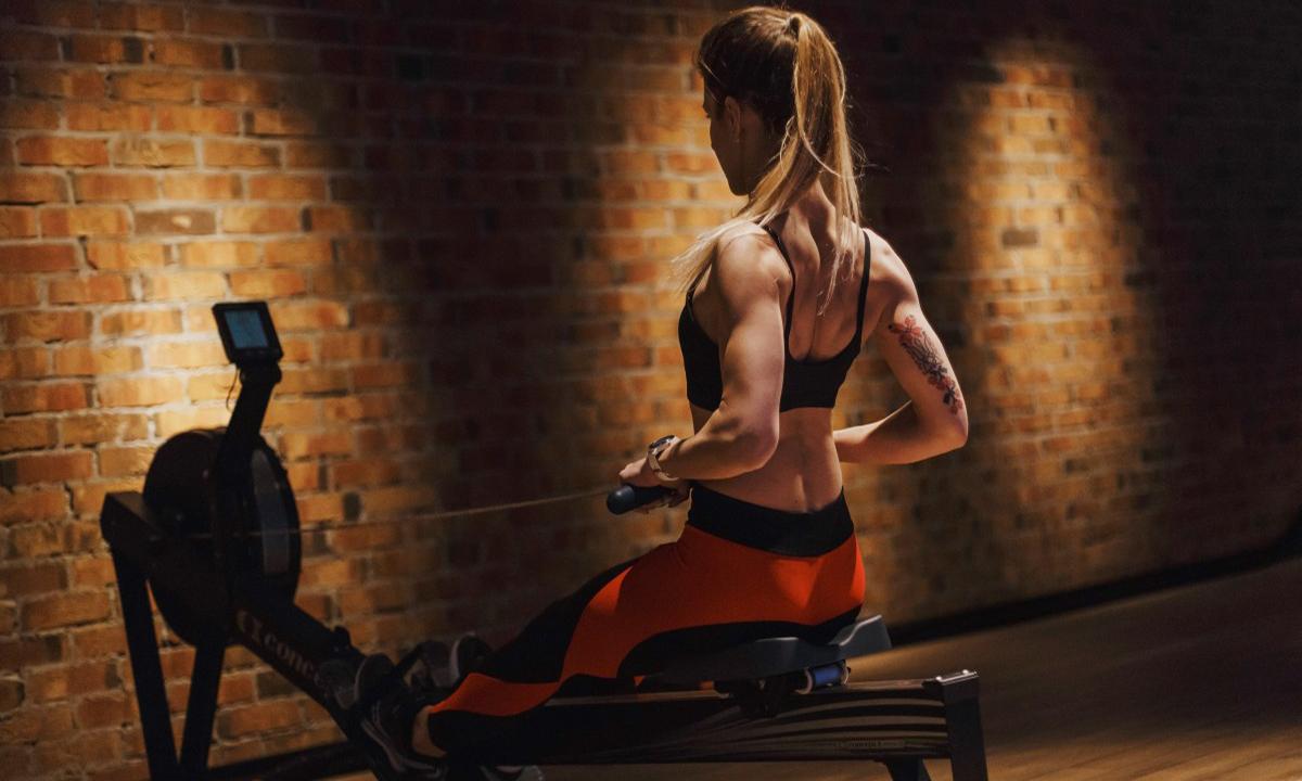 Тренировка верха тела: главное фото.
