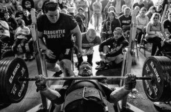 Жим лежа: программа тренировок на силу: фото.